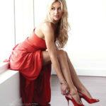 Anna-Kournikova-sexy-in-red